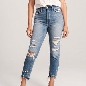 Abercrombie &Fitch Annie High Rise Girlfriend Jean